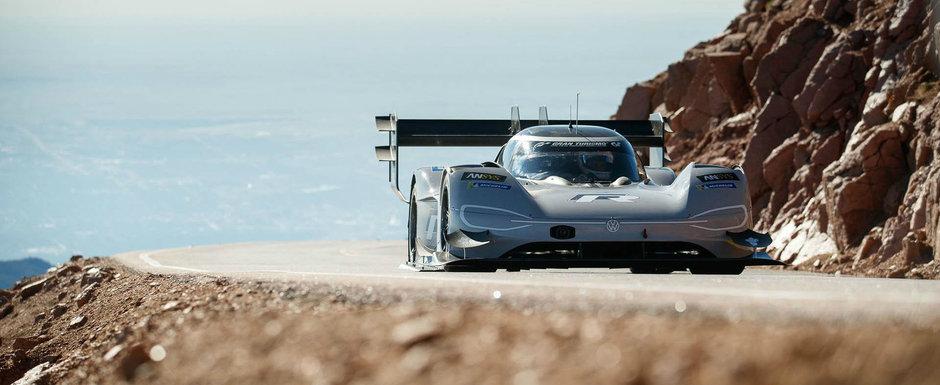 Nemtii au distrus competitia pe benzina. Un VW cu propulsie electrica a devenit cea mai rapida masina de la Pikes Peak