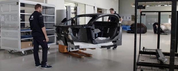 Nemtii au scos un documentar despre cum este construit noul Bugatti Chiron si nu vrei sa ratezi asta pentru nimic in lume. VIDEO
