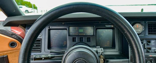 Nemtii se uitau la ea ca la un OZN. Masina americana avea acum 31 de ani ceasuri digitale si motor V8 twin-turbo