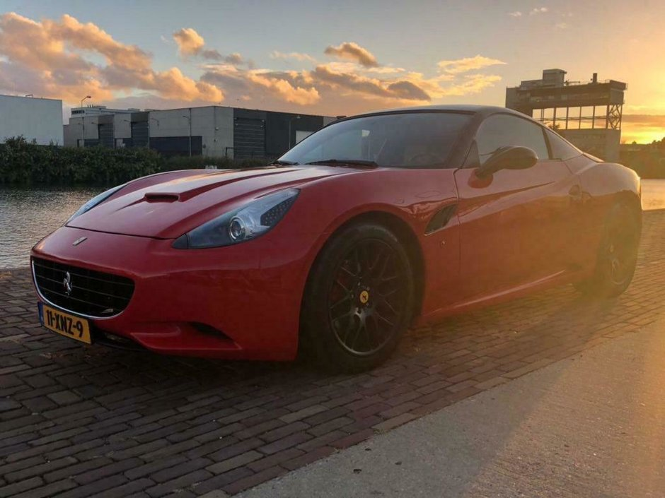 Nissan 350Z transformat in Ferrari California
