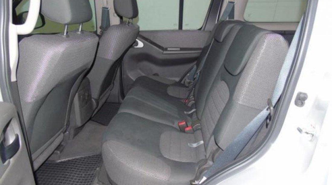 Nissan Pathfinder XE 2.5 dCi 190 CP 4x4 2012