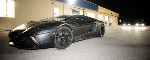 Noaptea, pe-nserate, Lamborghini Aventador LP700-4 isi arata aspectul sinistru!