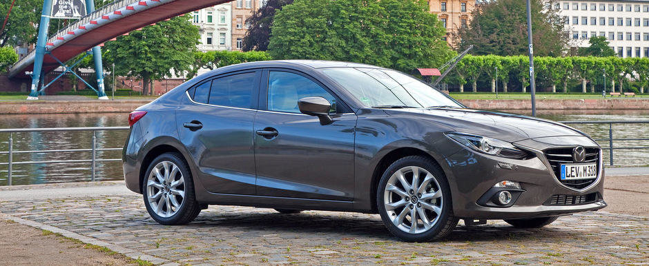 Noi imagini oficiale cu noua generatie Mazda3 Sedan