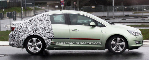 Noi imagini spion cu viitorul Opel Astra sedan