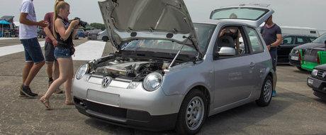 Noi un asemenea Volkswagen nu am mai vazut pana acum. Are doua motoare W12 sub 'capota'!