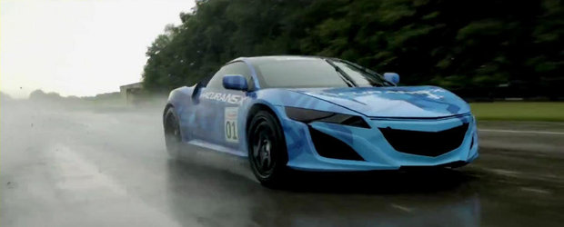Noua Acura NSX revine pe circuit, ne ofera o scurta demonstratie de forta