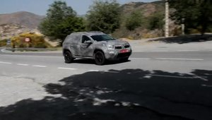Noua Dacia Duster debuteaza in primul video spion