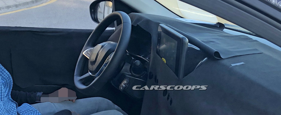 Noua Dacia Sandero Stepway, surprinsa pentru prima oara in teste. Masina romaneasca a fost fotografiata cu o tableta in bord