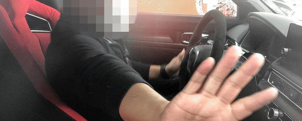 Noua Honda Civic Type R, surprinsa in teste cu interiorul la vedere. Poza pe care japonezii o vor stearsa de urgenta de pe internet