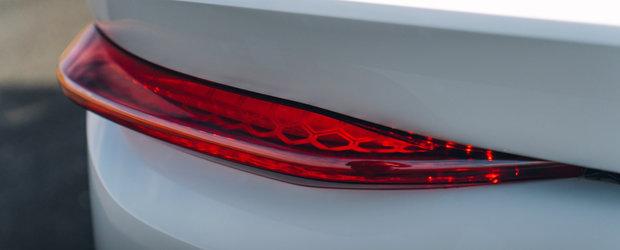 Noua masina este definitia luxului si a excentricitatii. Compania producatoare anunta ca doar vopsirea unei jante dureaza o saptamana
