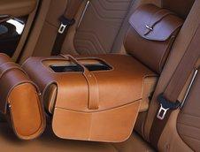 Noul Aston Martin DBX