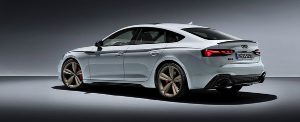 Noul Audi RS5 Facelift apare de nicaieri si ni se arata din toate unghiurile posibile si imposibile. FOTO