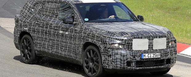 Noul BMW X8, surprins pentru prima oara in teste. Cel mai exclusivist SUV al bavarezilor ar putea oferi pana la 750 de cai sub capota
