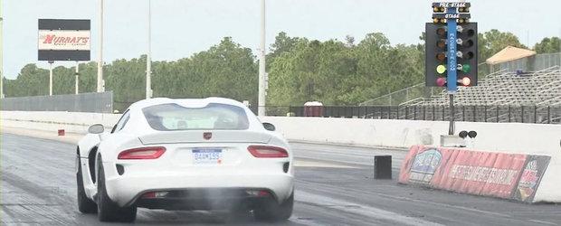 Noul Dodge Viper parcurge sfertul de mila in numai 11.1 secunde. VIDEO AICI!