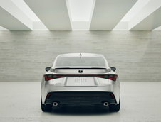Noul Lexus IS