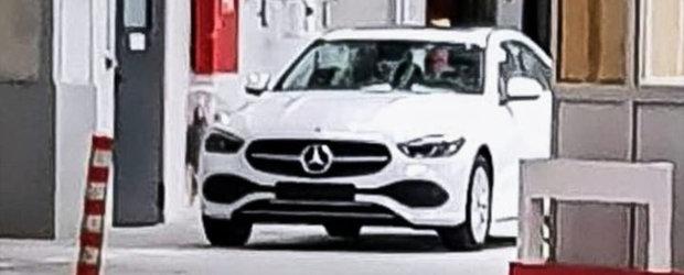 Noul Mercedes C-Class a ajuns mai devreme pe internet. Poza pe care nemtii o vor stearsa cu orice pret
