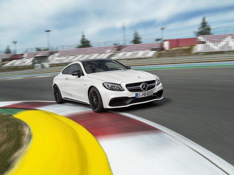Noul Mercedes C63 AMG Coupe