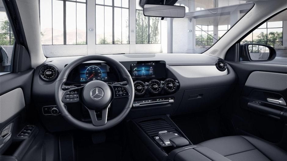 Noul Mercedes GLA - Varianta de baza