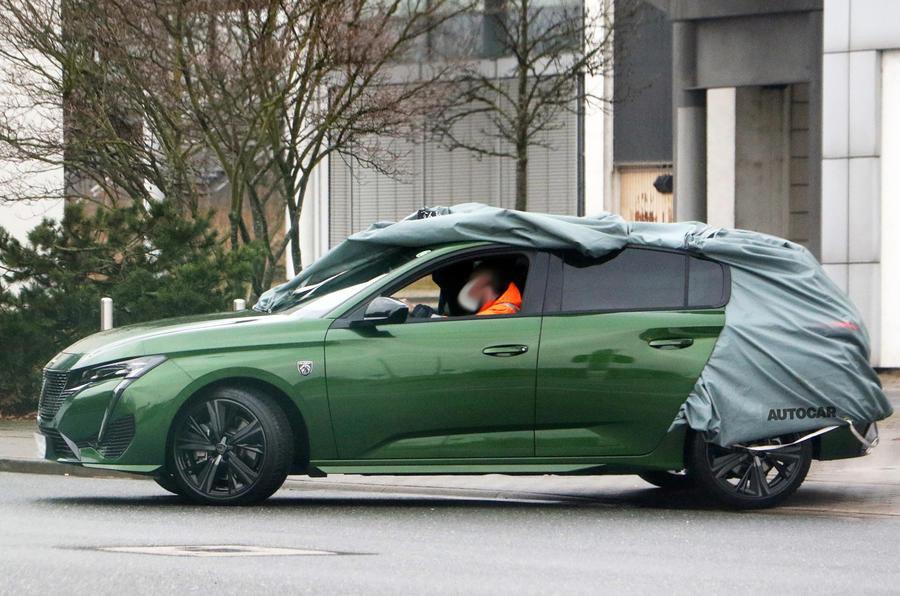 Noul Peugeot 308 - Poze spion