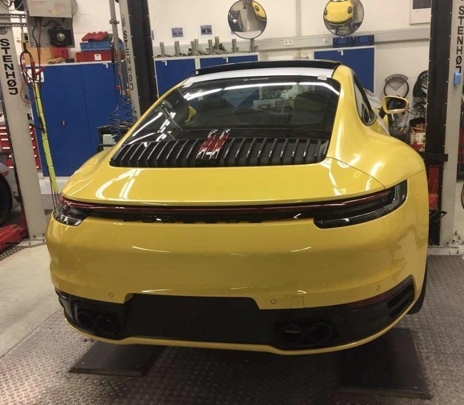 Noul Porsche 911 - Prima poza