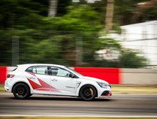 Noul Renault Megane RS Trophy-R