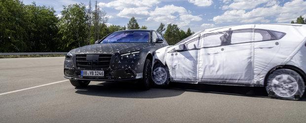 Noul S-Class este primul Mercedes din istorie care ofera aceasta dotare. Cum functioneaza sistemul