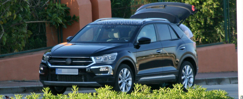 Noul Volkswagen T-Roc surprins in premiera fara camuflaj. Cum arata cel mai mic crossover al nemtilor