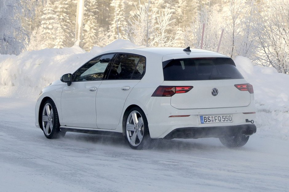 Noul VW Golf R necamuflat