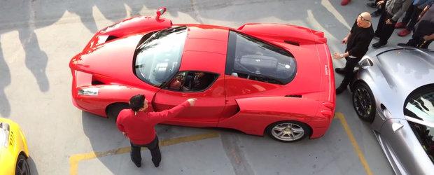Nu-i deloc usor sa parchezi un Enzo Ferrari