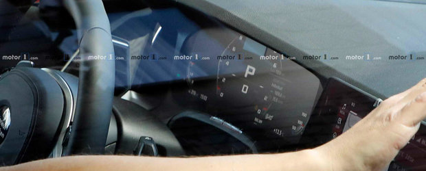 Nu s-au lasat pana nu au facut poza. Acum toata lumea stie cum arata noul BMW M3 la interior