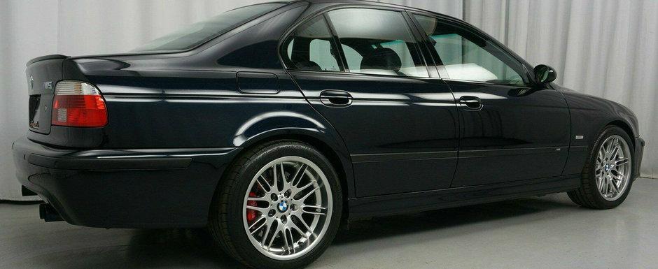 Nu se mai fac ca pe vremuri: super-sedanul din 2001 are cutie manuala si motor V8 aspirat