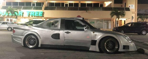 Nu si-a permis un Mercedes CLK GTR asa ca l-a construit singur. Nu i-a prea iesit