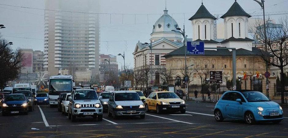 Nu suna deloc rau: circulatia masinilor din Bucuresti interzisa in week-end. Cum ti se pare?