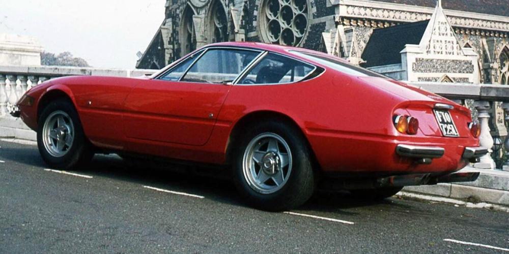 Nu sunt nici sedan-uri, nici coupe-uri. Cele mai frumoase fastback-uri construite vreodata - Nu sunt nici sedan-uri, nici coupe-uri. Cele mai frumoase fastback-uri construite vreodata
