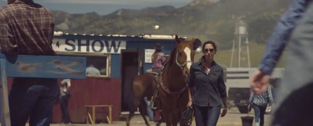 O femeie si camioneta ei: reclama la Chevrolet Silverado