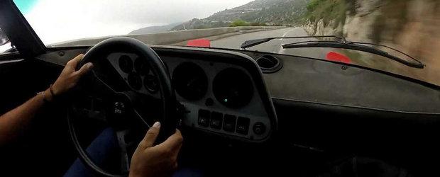 O Lancia Stratos HF ia cu asalt drumurile montane din Franta