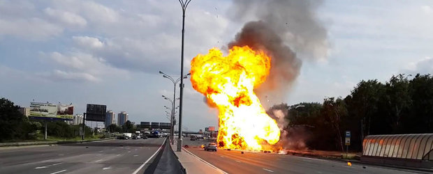 O masina plina cu butelii explodeaza pe autostrada in Rusia
