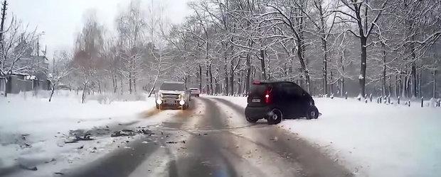 O noua compilatie cu accidente de sezon care ne arata unde duce prostia in trafic