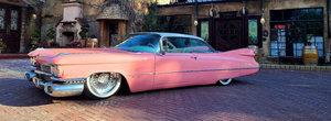 O sa uiti de orice masina noua dupa ce vei vedea cum arata acest Cadillac de Ville lasat pe burta. Pariu?