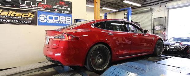 O Tesla Model S le-a dat acestor americani dyno-ul peste cap