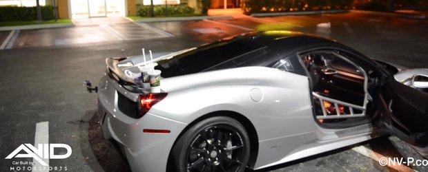 O vizita la 'drive-in' intr-un Ferrari 458 Challenge de circuit e amuzanta