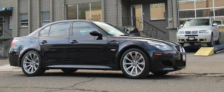 OCAZIE RARA. Cum arata si cu cat se vinde acest BMW M5 cu motor V10 si cutie manuala