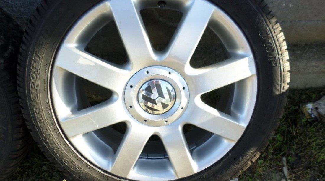 Ocazie set de 4 jante de aliaj originale VW Golf 5 6 7 Passat CC cu tot cu anvelope de iarna marimea 205 50 R17 la doar 400 EURO