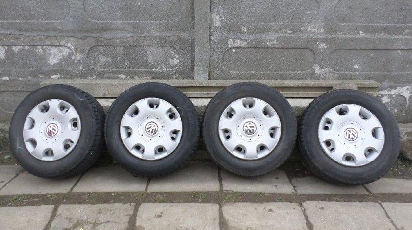 Ocazie set de 4 jante de tabla originale VW Tiguan cu tot cu anvelope de iarna marimea 215 65 R16 la doar 1000 Lei