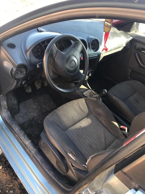 Oglinda dreapta completa Seat Ibiza 2005 hatchback 1.2