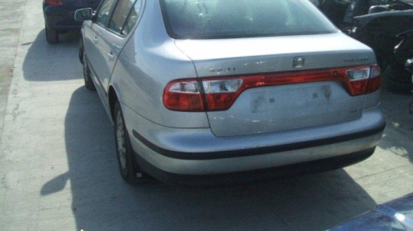 Oglinda dreapta manuala Seat Toledo an 2000