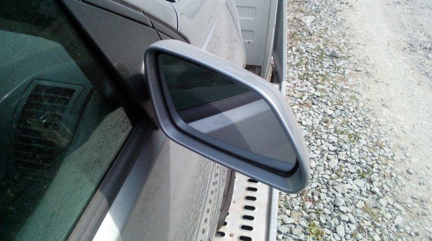 Oglinda dreapta VW Polo 9n 2007 cu semnalizare