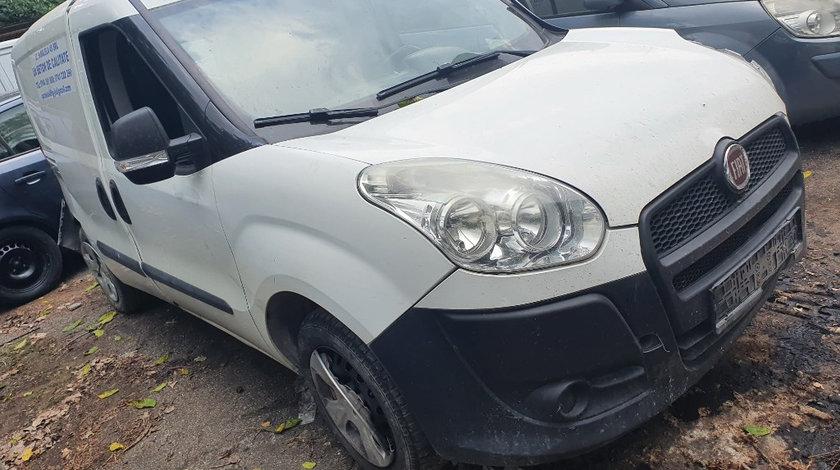 Oglinda stanga completa Fiat Doblo 2014 maxi 1.3 D