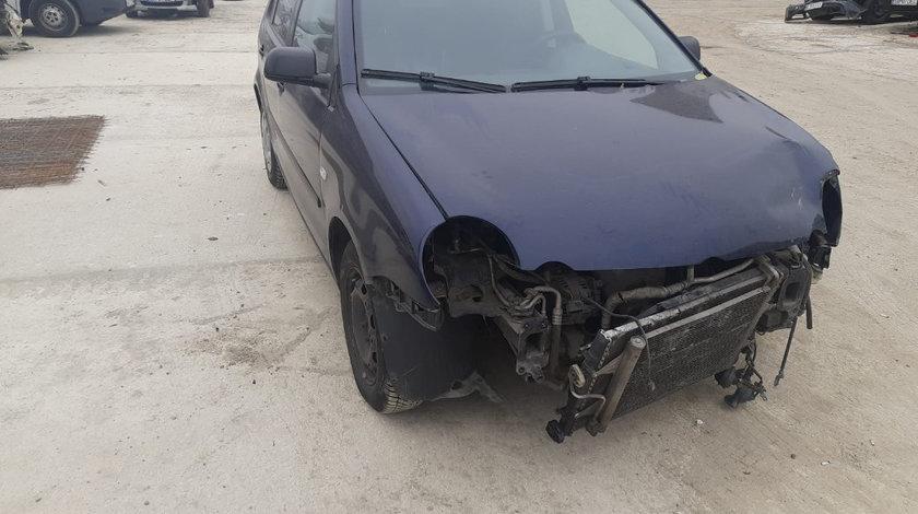 Oglinda stanga completa Volkswagen Polo 9N 2005 Break 1.4 BBY