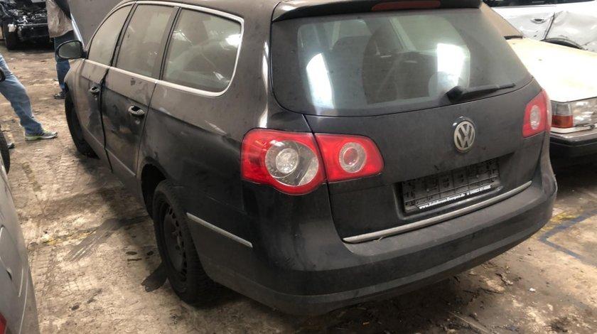 Oglinda stanga completa VW Passat B6 2007 Break 2.0 tdi